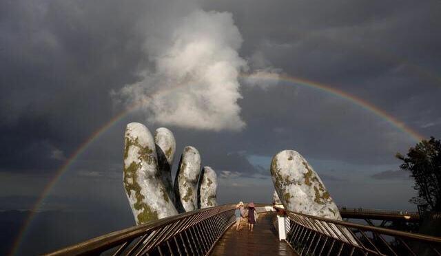 """""""Golden Bridge"""" in Vietnam rest in Hands makes it Unicorn"""