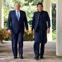 President Trump called PM Khan & Modi urge to moderate Kashmir